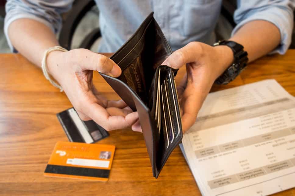 PLånbok med många kreditkort