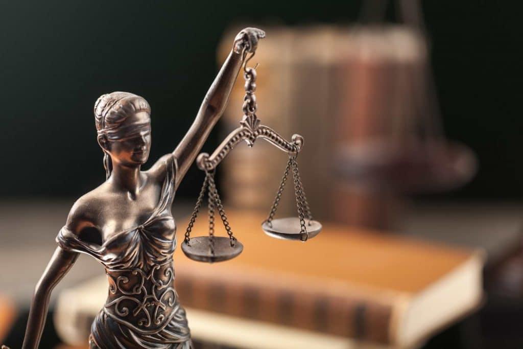 Lagstaty och lagböcker