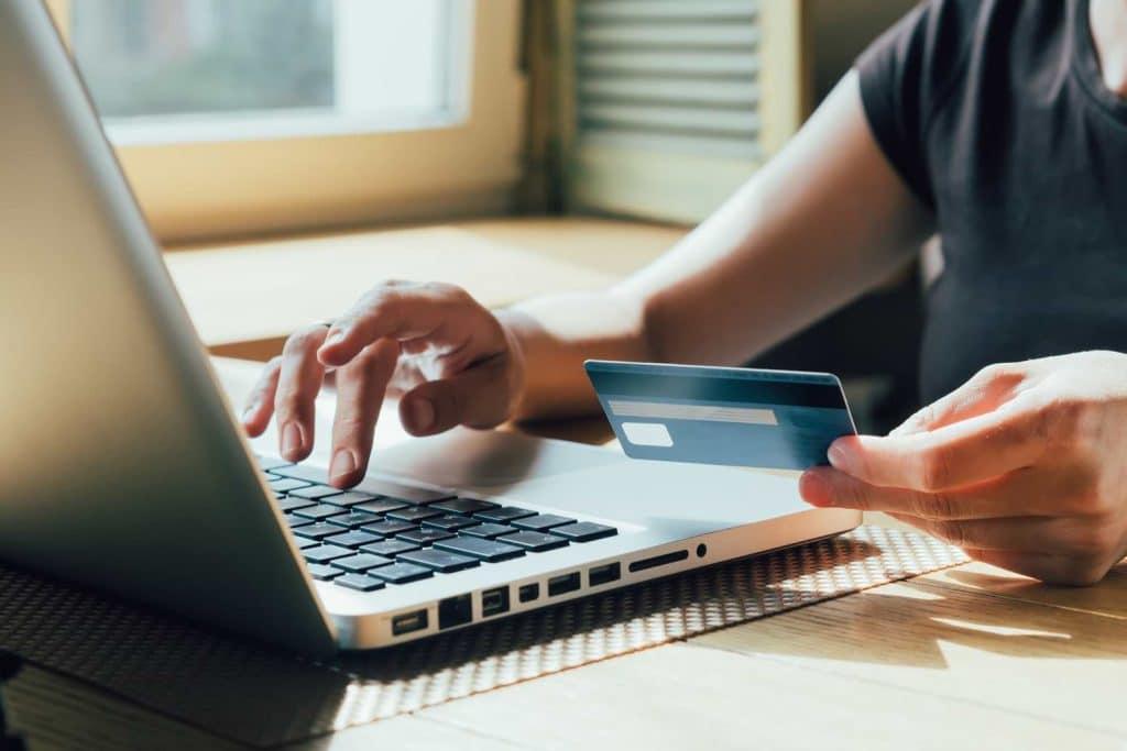 Tipsen för hur du shoppar säkert på nätet