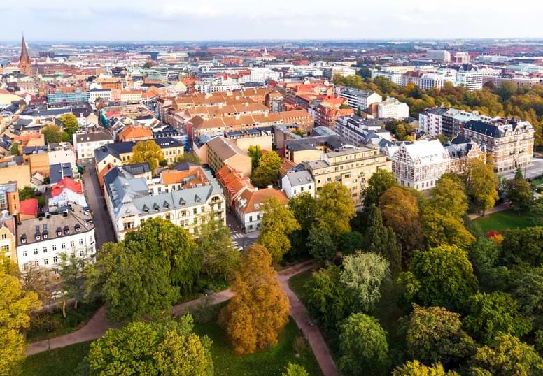 Svensk stad på hösten