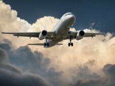 13 bästa tipsen för att hitta billiga flygbiljetter till och från Sverige [Guide]